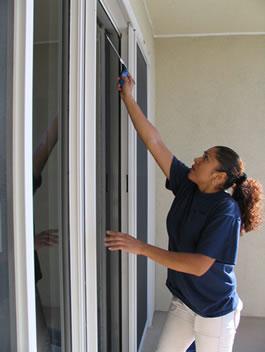 Inglasad balkong rengöring