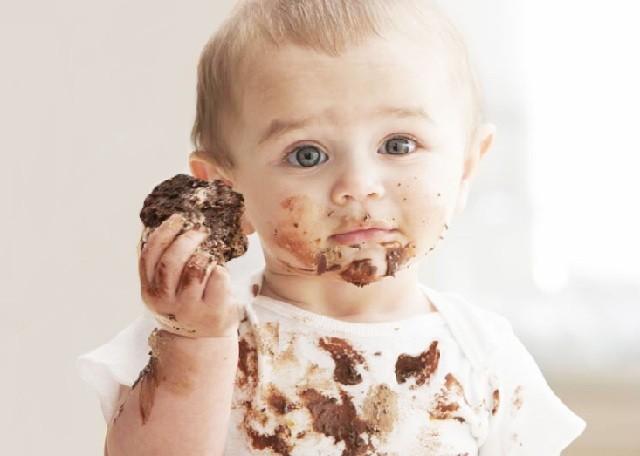 få bort envisa chokladfläckar
